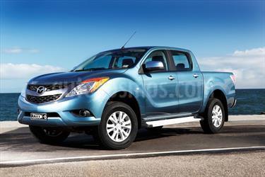 Foto venta carro usado Mazda BT-50 2.6L High 4x4 (2015) color Azul Mediterraneo precio BoF45.000.000