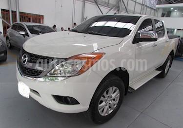 Foto venta carro Usado Mazda BT-50 2.6L Low 4x4 (2015) color Blanco precio BoF6.179.998