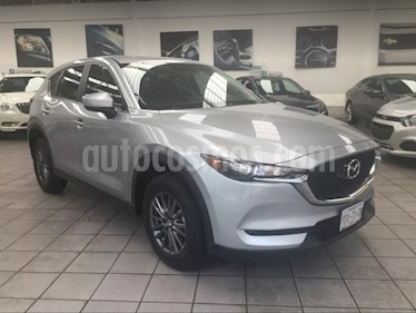 Foto venta Auto Seminuevo Mazda CX-5 2.0L i Sport (2018) color Gris Titanio precio $380,000