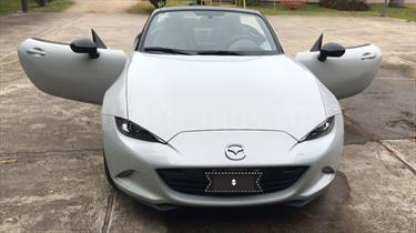 Foto venta Auto Seminuevo Mazda MX-5 i Sport (2016) color Blanco / Gris Urbano precio $275,000