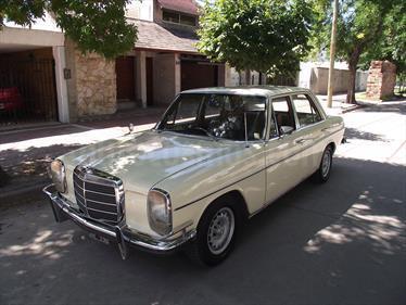 Foto venta Auto usado Mercedes Benz 230 E (1973) color Beige precio $200.000