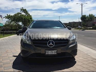 Foto venta Auto usado Mercedes Benz Clase A 180 CGI Aut (2014) color Gris Magnesio precio $245,000