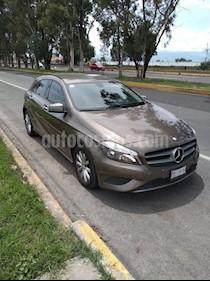 Foto venta Auto usado Mercedes Benz Clase A 180 CGI (2014) color Beige Dakar precio $240,000