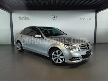 Foto venta Auto Seminuevo Mercedes Benz Clase C 180 CGI Aut (2013) color Plata precio $235,000