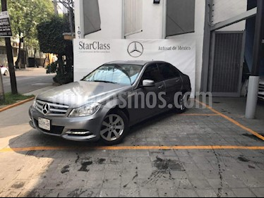 Foto venta Auto Seminuevo Mercedes Benz Clase C 180 CGI Aut (2013) color Gris precio $295,000