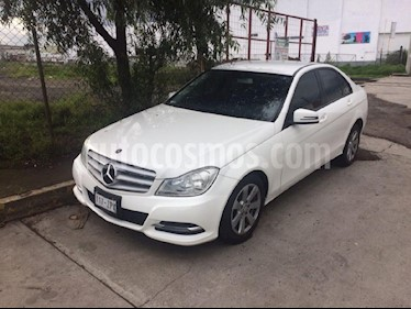 Foto venta Auto Seminuevo Mercedes Benz Clase C 180 CGI Aut (2014) color Blanco precio $255,000