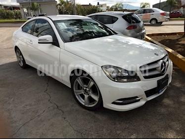 Foto venta Auto Seminuevo Mercedes Benz Clase C 180 CGI Coupe (2014) color Blanco precio $310,000