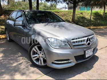 Foto venta Auto Usado Mercedes Benz Clase C 200 CGI Exclusive Aut (2013) color Plata precio $255,000