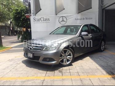 Foto venta Auto Usado Mercedes Benz Clase C 200 CGI Exclusive Aut (2012) color Gris precio $245,000