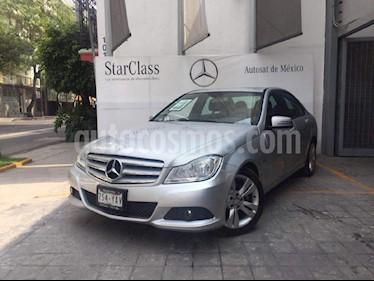 Foto venta Auto Usado Mercedes Benz Clase C 200 CGI Exclusive Aut (2012) color Gris precio $255,000