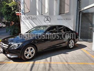 Foto venta Auto Seminuevo Mercedes Benz Clase C 200 CGI Exclusive Aut (2015) color Negro precio $430,000