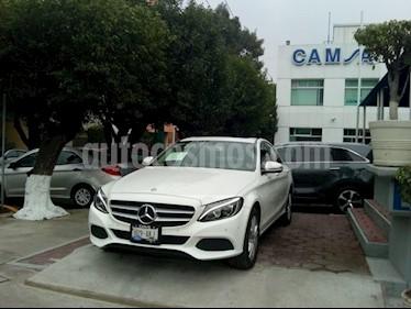 Foto venta Auto Seminuevo Mercedes Benz Clase C 200 CGI Exclusive Aut (2017) color Blanco precio $444,900