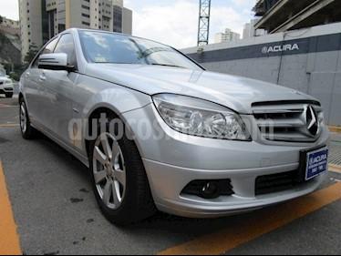 Foto venta Auto Usado Mercedes Benz Clase C 200 CGI Exclusive (2011) color Plata precio $195,000