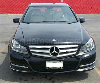 Foto venta Auto Seminuevo Mercedes Benz Clase C 200 CGI Sport Aut (2013) color Negro Obsidiana precio $290,000