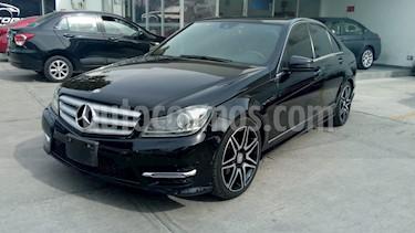 Foto venta Auto Usado Mercedes Benz Clase C 200 CGI Sport Aut (2014) color Negro Obsidiana precio $318,000