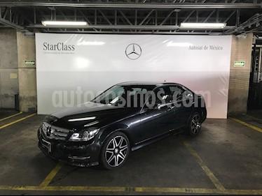 Foto venta Auto Seminuevo Mercedes Benz Clase C 200 CGI Sport Plus Aut (2014) color Gris precio $299,000
