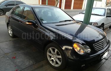 Foto venta Auto usado Mercedes Benz Clase C  200  (2005) color Azul Oscuro precio u$s11,000