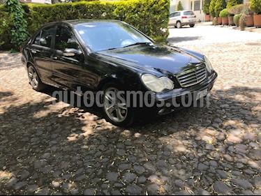 Foto venta Auto Seminuevo Mercedes Benz Clase C 230 Classic (2003) color Negro precio $118,000