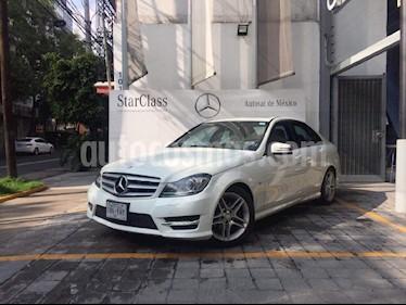 Foto venta Auto Seminuevo Mercedes Benz Clase C 250 CGI Sport Aut (2012) color Blanco precio $285,000