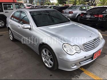 Foto venta Auto Seminuevo Mercedes Benz Clase C 350 Elegance Aut (2006) color Plata precio $135,000