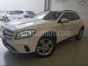 Foto venta Auto Seminuevo Mercedes Benz Clase GLA 200 CGI (2018) color Blanco precio $425,000
