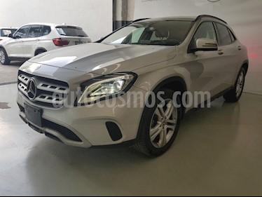 Foto venta Auto Seminuevo Mercedes Benz Clase GLA 200 CGI (2018) color Plata precio $419,000
