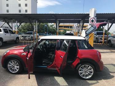 Foto venta Auto Seminuevo MINI Cooper S Salt 5 Puertas Aut (2016) color Rojo precio $330,000