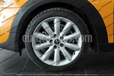 Foto venta Auto Seminuevo MINI Cooper S Salt 5 Puertas (2017) color Naranja precio $345,000