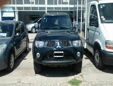 Foto venta Auto Usado Mitsubishi L200 4x4 3.2 DI-D CD (2010) color Negro precio $570.000