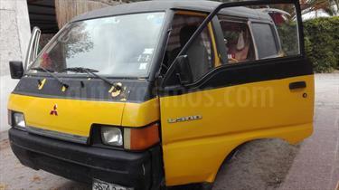 Foto venta Auto usado Mitsubishi L-300 Diesel Escolar (1998) color Amarillo precio $3.000.000