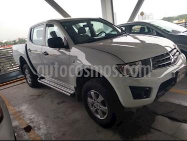 Foto venta Auto usado Mitsubishi L200 4x2 2.4L Cabina Doble (2015) color Blanco precio $220,000