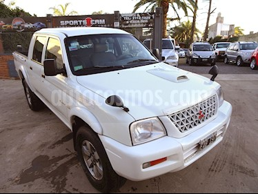 Foto venta Auto Usado Mitsubishi L200 4x4 2.5 High Power CD (2002) color Blanco Diamante precio $249.000