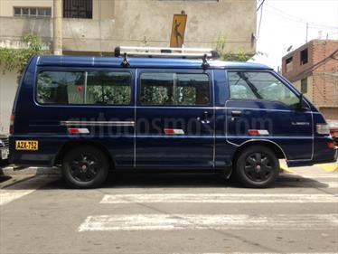 Foto Mitsubishi L300 Van 2.5L Di 12Pas usado (2010) color Azul precio $12,500