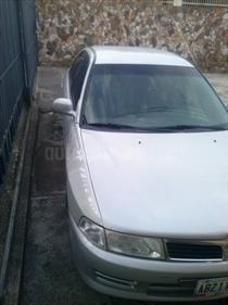 Foto venta carro usado Mitsubishi Lancer GLXi Auto. (2008) color Plata precio u$s2.400