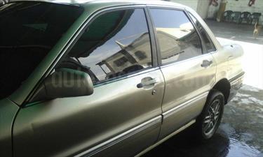 Foto venta carro Usado Mitsubishi MF Version sin siglas L4 2.0i 16V (1997) color Dorado precio u$s1.234