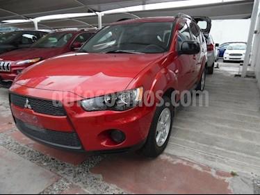Foto venta Auto Seminuevo Mitsubishi Outlander 2.4L LS  (2012) color Rojo precio $155,000