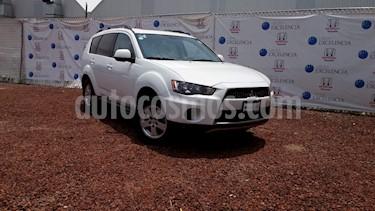 Foto venta Auto Usado Mitsubishi Outlander 2.4L XLS (2012) color Blanco Diamante precio $152,000