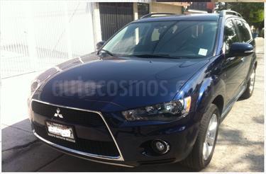 Foto venta Auto Seminuevo Mitsubishi Outlander 3.0L Limited (2011) color Azul Amatista precio $188,000