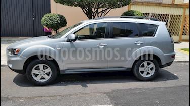 Foto venta Auto Seminuevo Mitsubishi Outlander 3.0L XLS  (2011) color Plata precio $165,000
