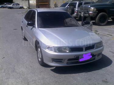Foto Mitsubishi Signo Plus 1.3L usado (2010) color Plata precio u$s2.300