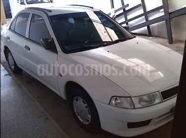 Foto venta carro usado Mitsubishi Signo Taxi 1.3L (2008) color Blanco precio u$s1.400