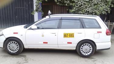 Foto venta Auto usado Nissan AD Wagon Automatico (2005) color Blanco precio u$s4,700