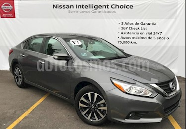 Foto venta Auto Usado Nissan Altima Advance (2017) color Gris precio $325,000