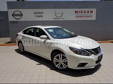 Foto venta Auto Usado Nissan Altima Advance (2017) color Blanco precio $416,900