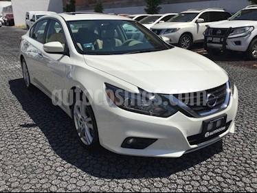Foto venta Auto Seminuevo Nissan Altima ALTIMA ADVANCE NAVI (2017) color Blanco precio $410,000