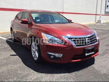 Foto venta Auto Seminuevo Nissan Altima ALTIMA ADVANCE NAVI (2016) color Rojo precio $290,600