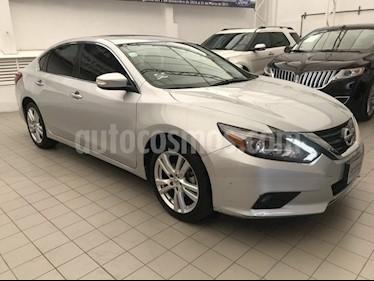 Foto venta Auto Usado Nissan Altima EXCLUSIVE 3.5L (2017) color Plata precio $365,000