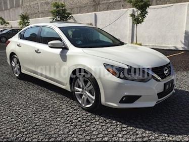 Foto venta Auto Seminuevo Nissan Altima EXCLUSIVE V6 (2017) color Blanco precio $420,000