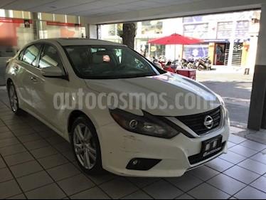 Foto venta Auto usado Nissan Altima EXCLUSIVE V6 (2017) color Blanco precio $390,000