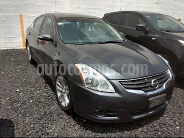 Foto venta Auto Seminuevo Nissan Altima SE 3.5L CVT (2010) color Acero precio $119,000